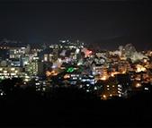 お料理の後は少し外に出て、別府市中心街・繁華街を訪れ、お店で一杯いただくのはいかがでしょうか?九州の地酒を味わうひと時をどうぞ